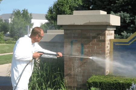 Graffiti verwijderen Henry Totaal